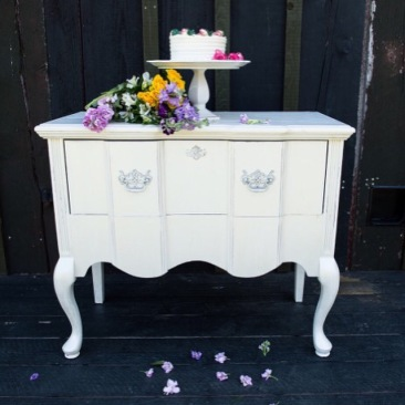 Cara white side table
